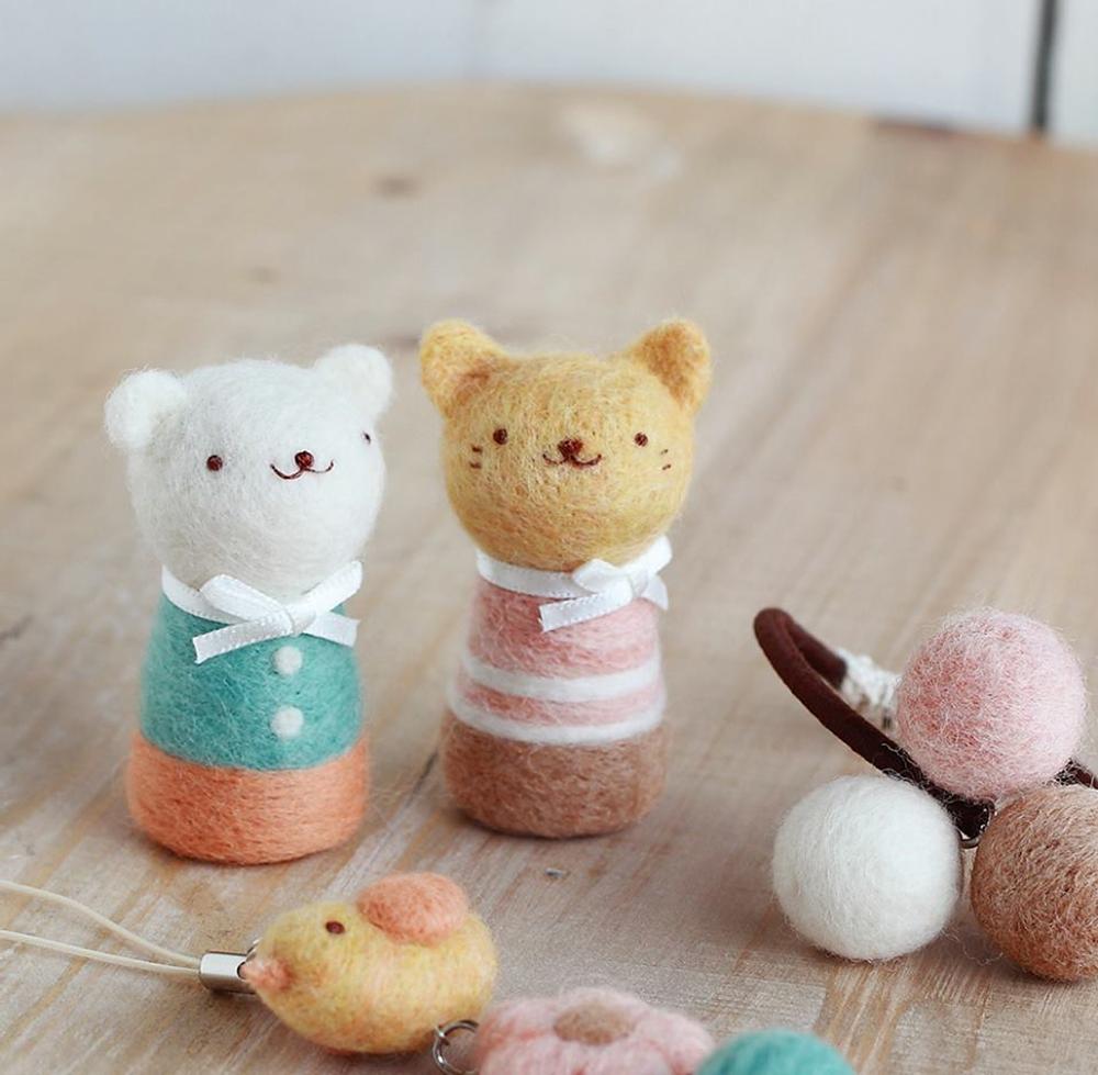 羊毛フェルト ネコとシロクマ